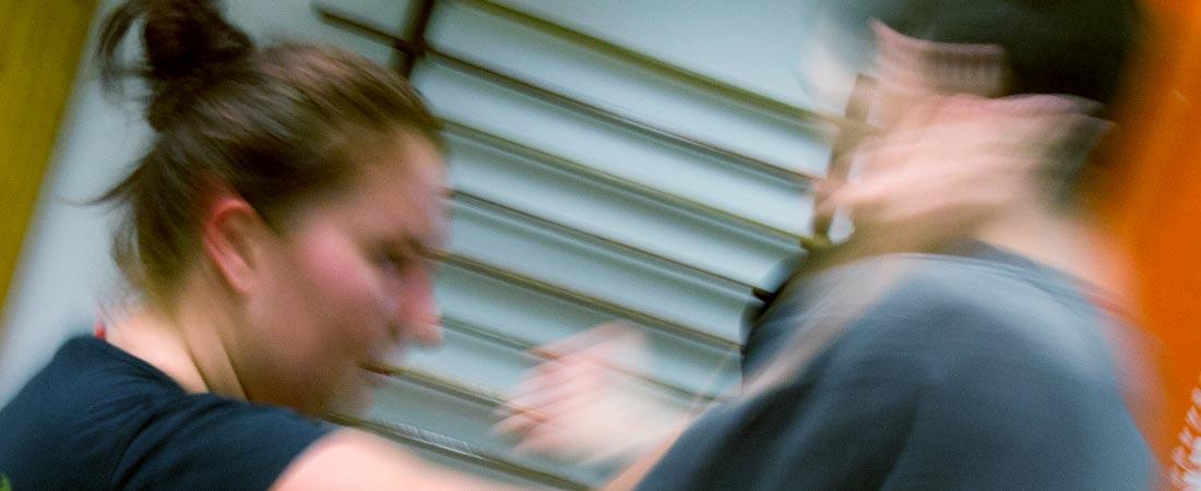 Nybörjarträning i ninjutsu, en effektiv stridsmetod.